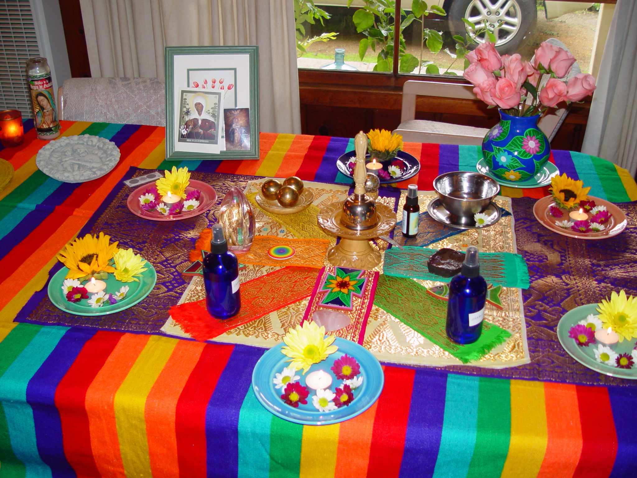 Space clearings and sacred spaces for better feng shui chi blessings doing a space clearing by using personal items like a handmade vase from mexico and pictures reviewsmspy